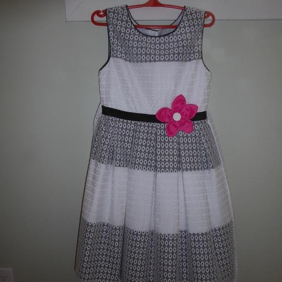 Girls spring white, black lace dress